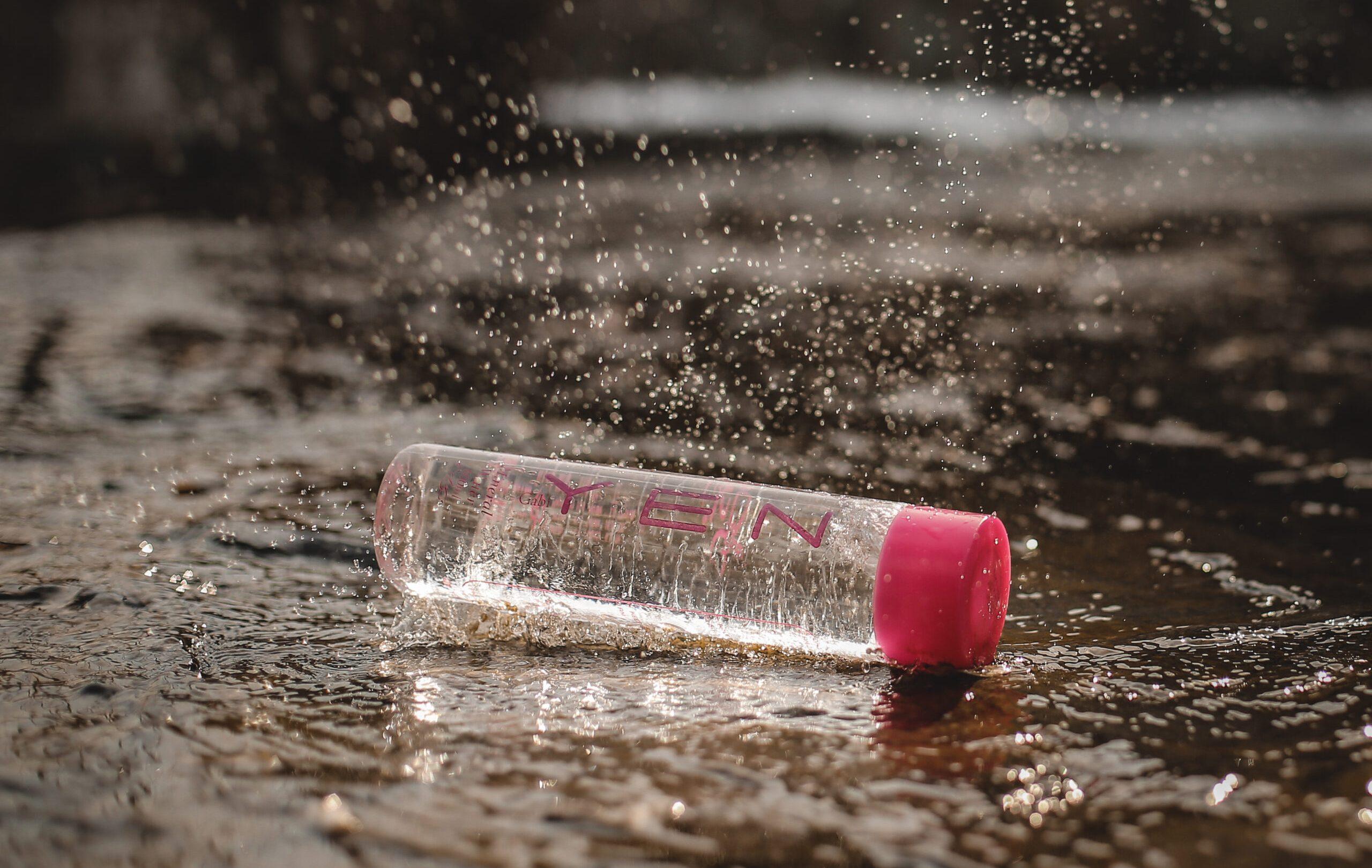 تفاوت آب معدنی با آب آشامیدنی به بازنشر از گابی ین واتر